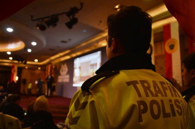 """İstanbul Emniyeti'nden """"Daha Güvenli Trafik"""" projesi"""