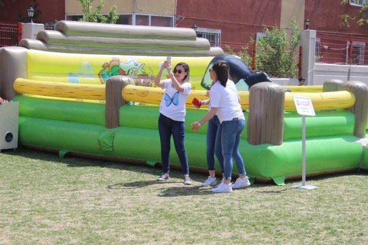 Bahçeşehir Koleji'nden, 'kelebek çocuklar' için anlamlı etkinlik