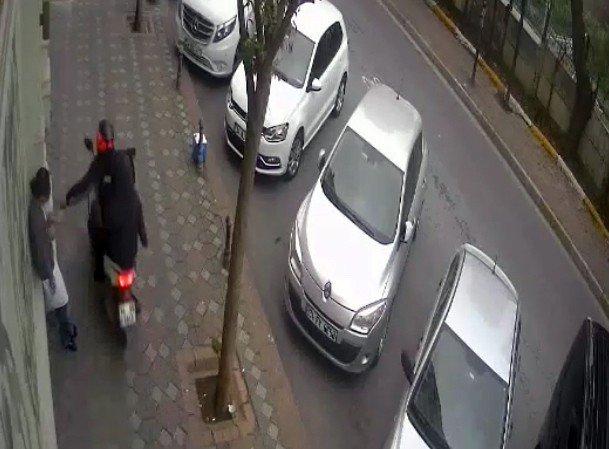 Kapkaççılar önce kameralara, sonra polise yakalandı