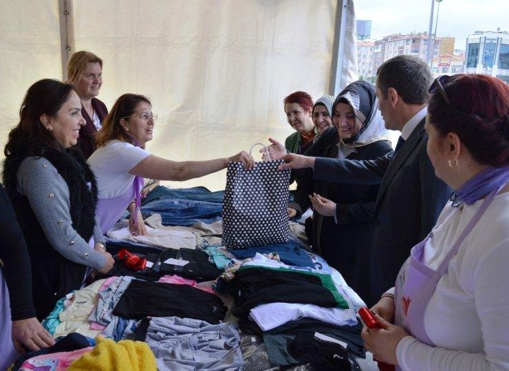 Zeytinburnu'nda Kent Konseyi Kadın Meclisi kermesi açıldı