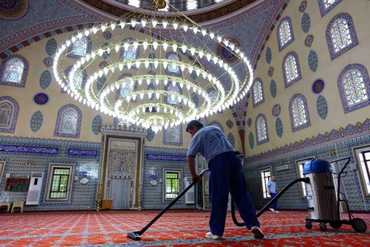 Bağcılar'da ibadethaneler Ramazan Ayı öncesi temizlendi