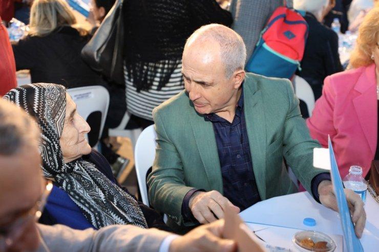Büyükçekmece'de  Anneler Gününe özel iftar yemeği