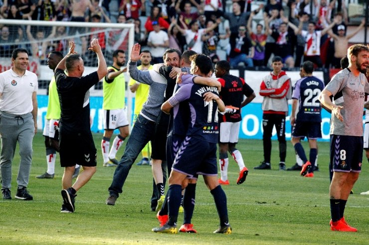 Perdeyi Enes Ünal açtı, Valladolid ligde kaldı