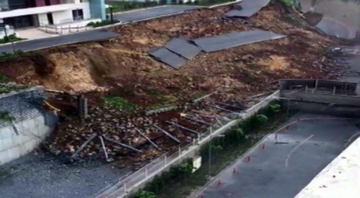 Başakşehir'de toprağın kaymaya anı kameralara yansıdı
