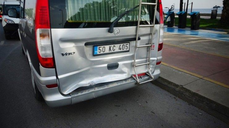 Kartal sahil yolunda trafik kazası: 3 yaralı