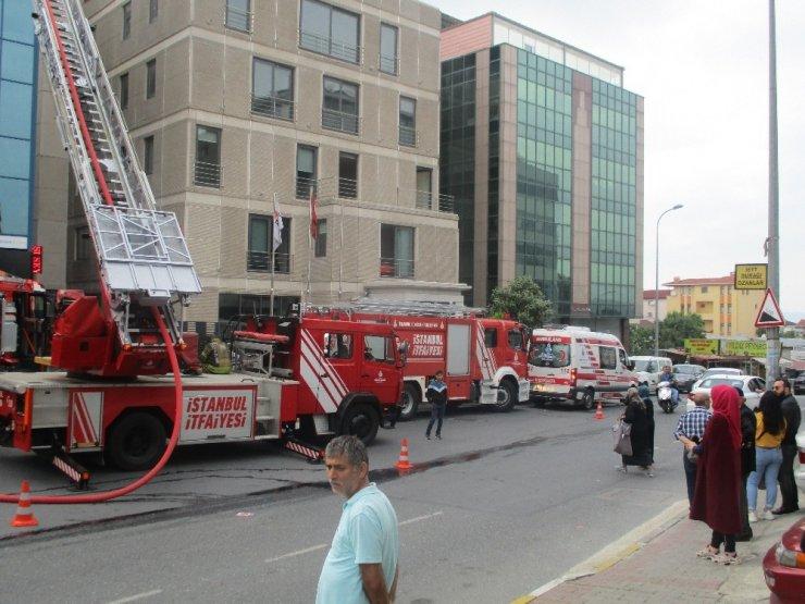 Beykoz'da iş merkezinde yangın paniği