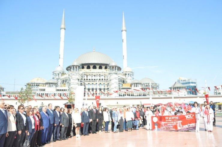 Taksim'de 19 Mayıs töreni