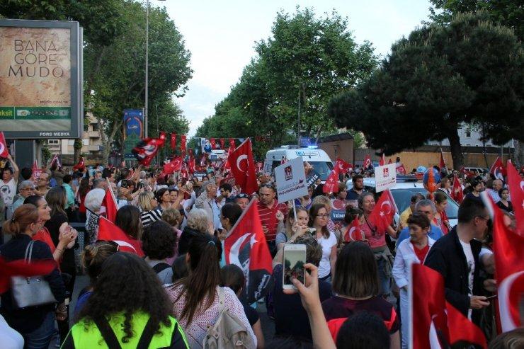 Kadıköy'de 19 Mayıs'ın 100. yılında fener alayı