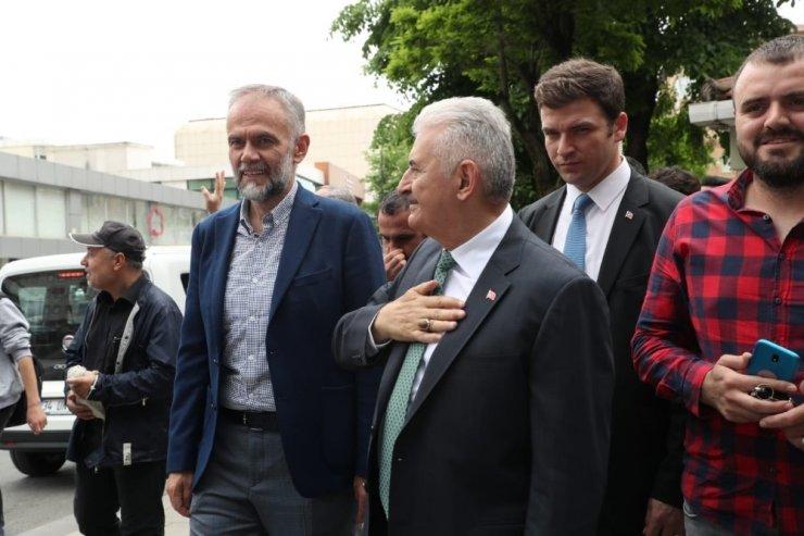 Binali Yıldırım, Çekmeköy'de esnafı ziyaret etti