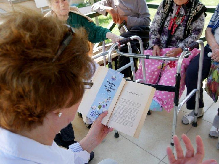 Büyükçekmece'de okuma seferberliği huzur evlerine de taşındı