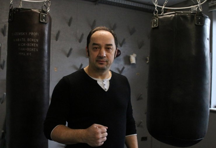 Hamburg'da dev boks galası
