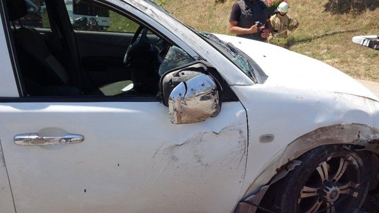 Pendik'te kontrolden çıkan araç takla attı: 1 yaralı