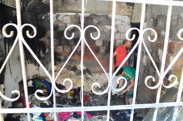 Çocukların ateşle oyunu bir evi küle çevirdi