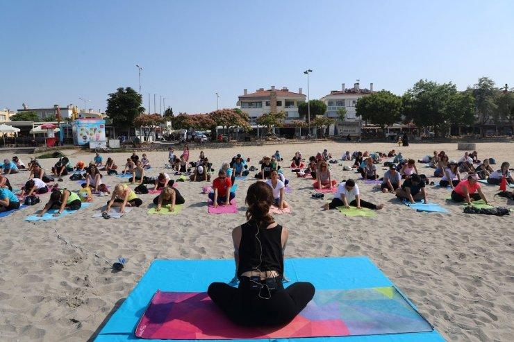 """""""Yoga Buluşması""""na kadınların ilgisi büyük oldu"""