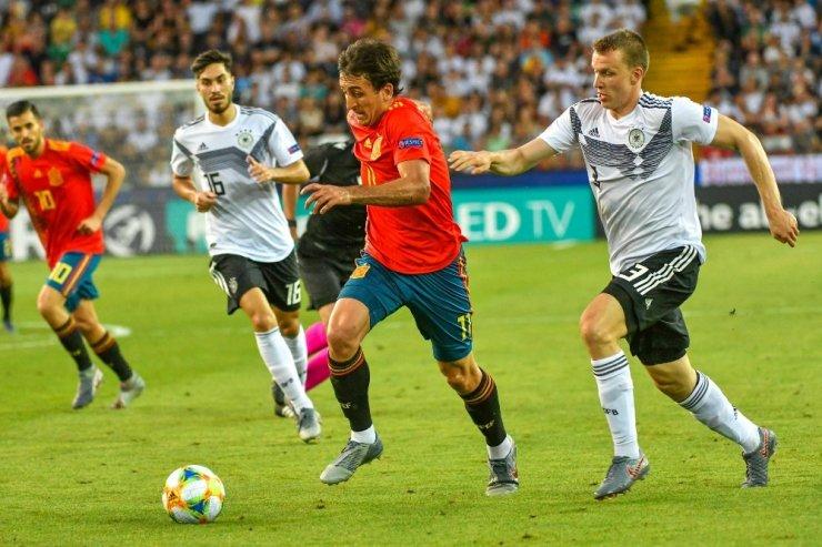 Avrupa U21 Şampiyonası'nda kupa İspanya'nın