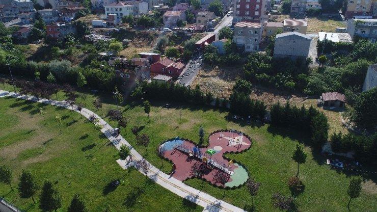 Park Halindeyken Freni Patlayan Tır Evin Duvarına Çaptı