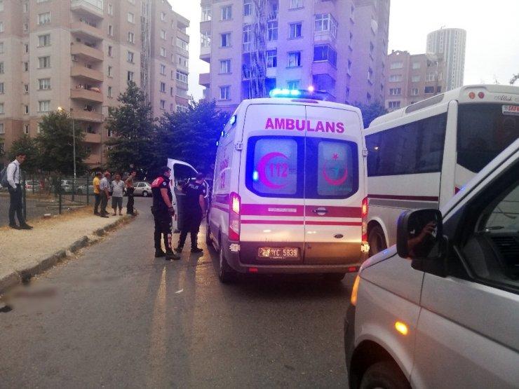 Şüpheliye ateş eden polisin mermisi sekti, yoldan geçen kadını vurdu