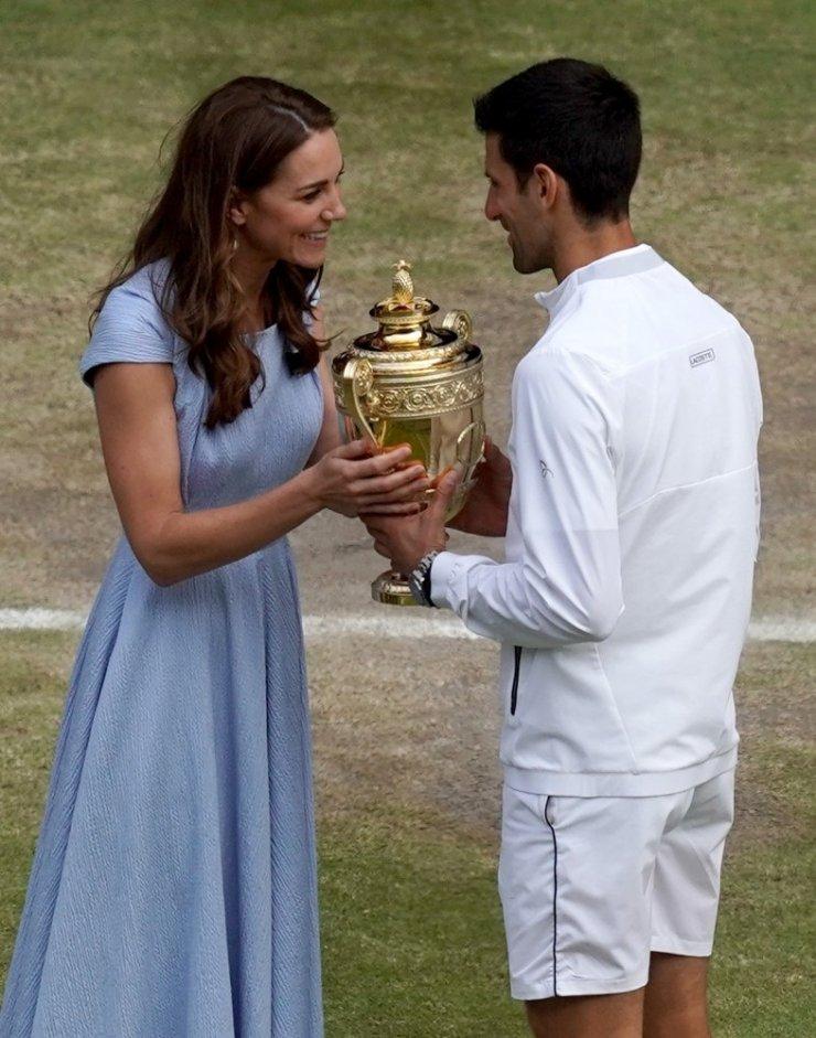 Federer'i deviren Novak Djokovic, Wimbledon'da şampiyon oldu