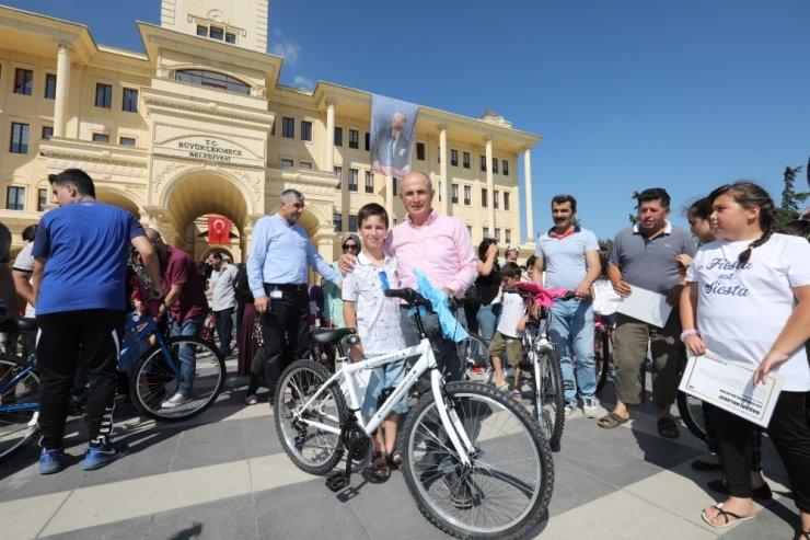 Büyükçekmece'de Başarılı Öğrencilere  Bisiklet