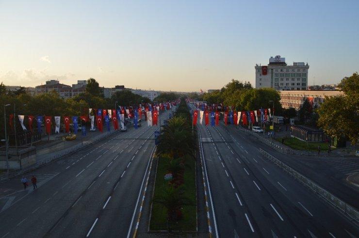 30 Ağustos Zafer Bayramı sebebiyle Vatan Caddesi trafiğe kapatıldı