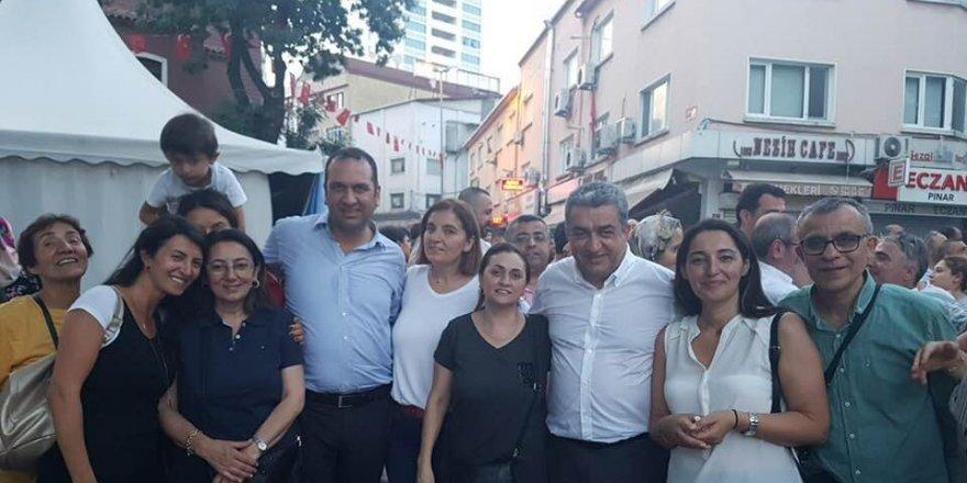 Ekrem İmamoğlu'nun seçimi kazanması Kağıthane'de kutlandı